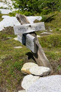 Turn-off to Prusik Pass