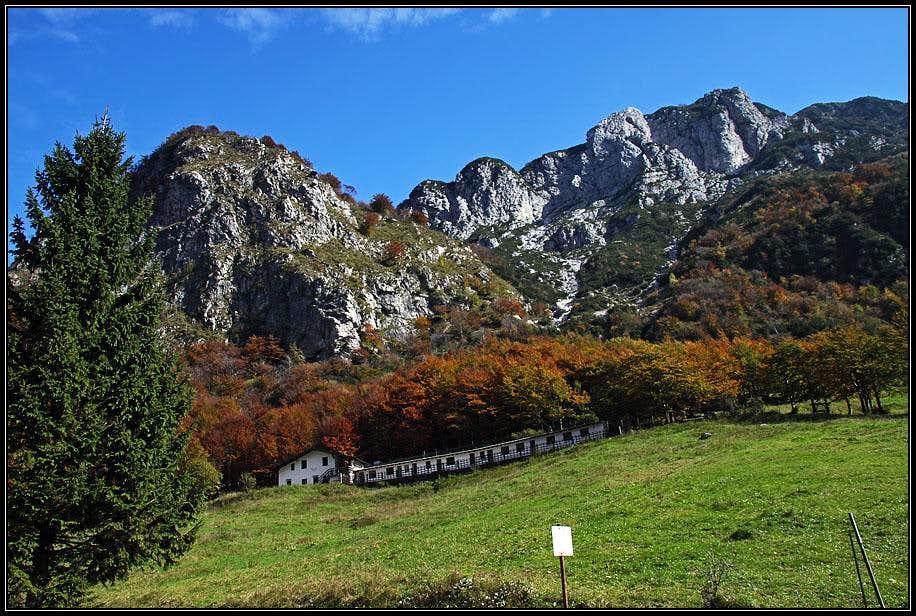 Passo di Monte Rest in autumn
