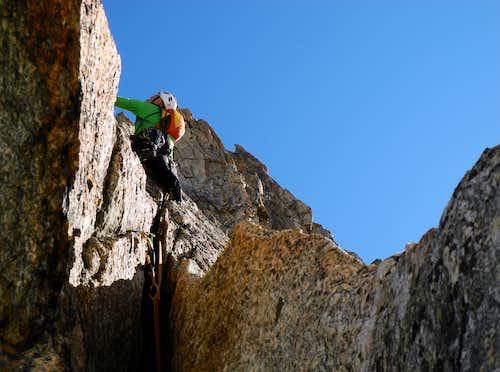 Climbing the Lucky Luke crack, Aiguille du Refuge (Argentiere)