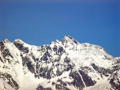 Monte Paramont (3301 m.)