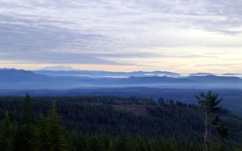 Mount Rainier and the Issaquah Alps from Explorer Hill
