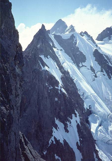 Shuksan's summit shows over...