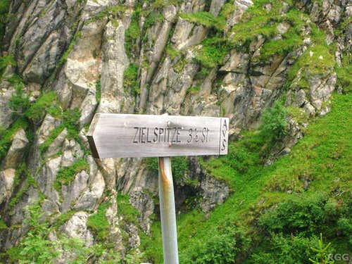 The turn off to the Zielspitze
