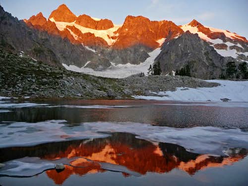 Red Sunset Colors on Mount Shuksan