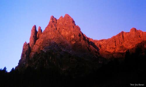 Tenailles de Montbrison at dawn