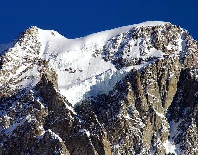 La punta Whymper (4184 m.) e...