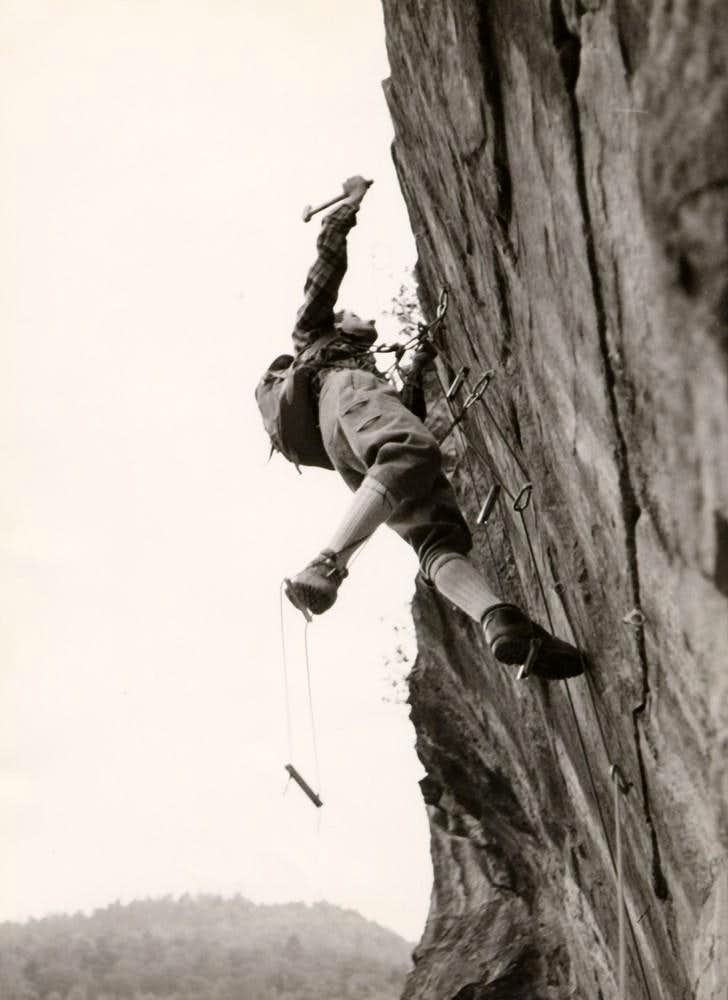 (Deep & Strong Pers ...) Struggling over the Vertical 1968