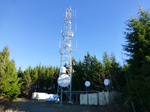 Communication towers on top of Littler Pilchuck