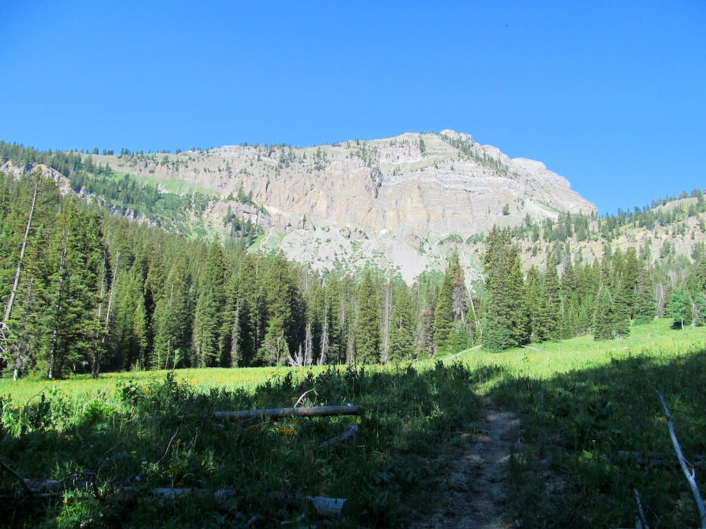 views along Crow Creek Lakes Trail