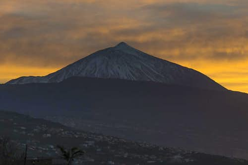 Teide in the afterglow of Dec 25th 2013