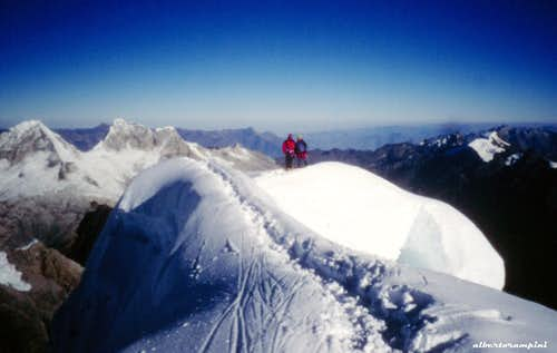 Alpamayo summit ridge