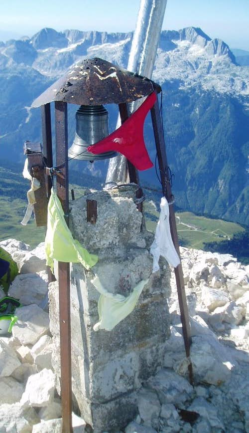 Prayer flags on the summit - you gotta love Italy!
