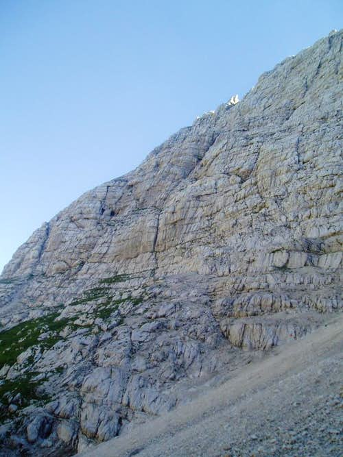 Looking back up the final decent. The route goes more or less diagonally across the face