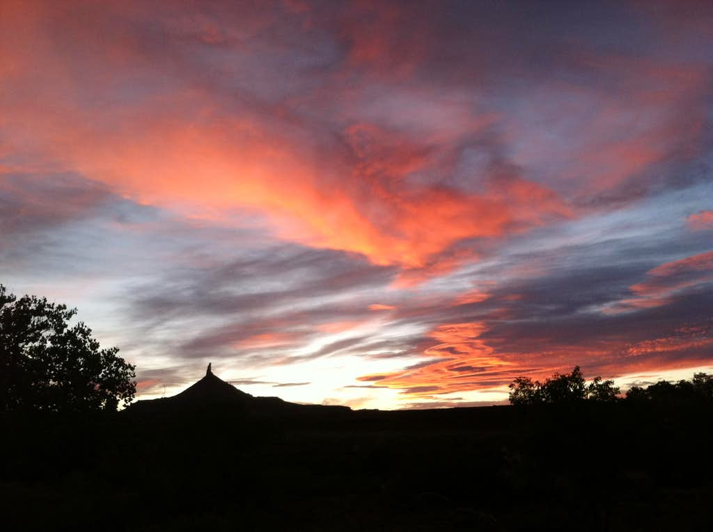 Magnificent sunset over the North Six Shooter, Indian Creek