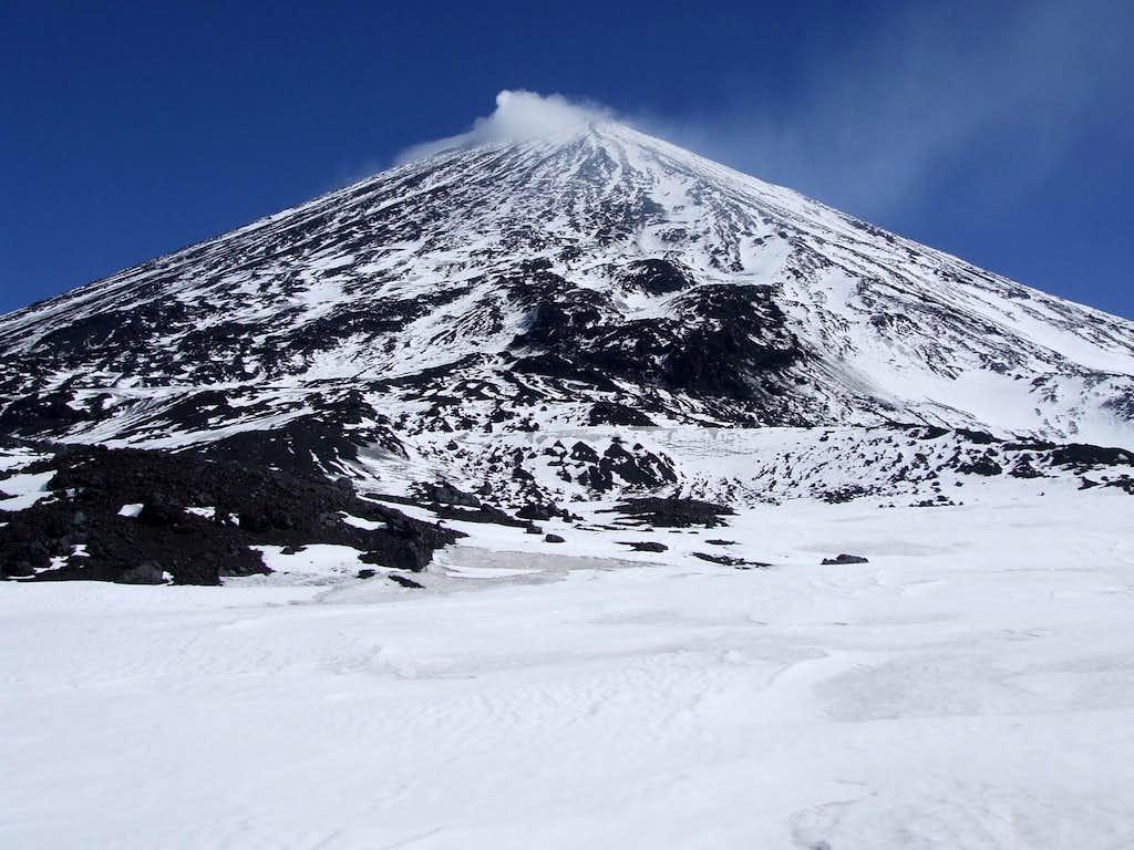 Klyuchevskaya before Chris's second attempt. Volcanic fumaroles cap the summit.