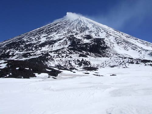 Klyuchevskaya before Chris's second attempt. Volcanic fumaroles cap the summit.