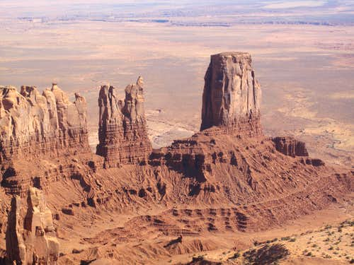 The Rabbit and the Bear(left) and Shangri La(the large tower to the right), crazy vertical sandtone spires in Monument Valley, Northern Arizona