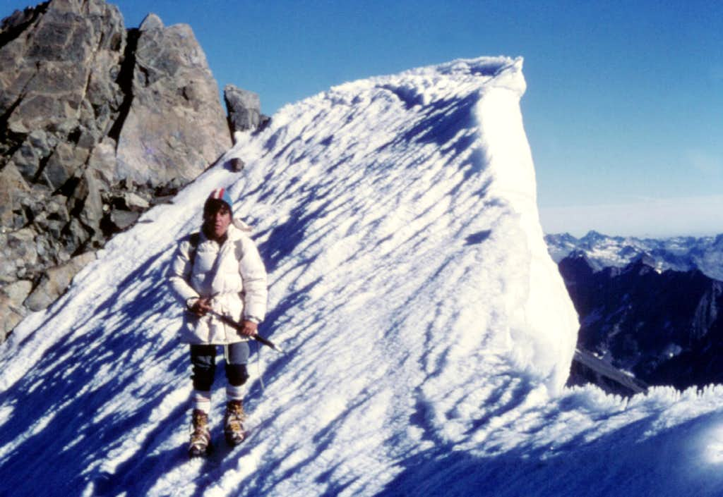 Huge cornice along Disgrazia ridge
