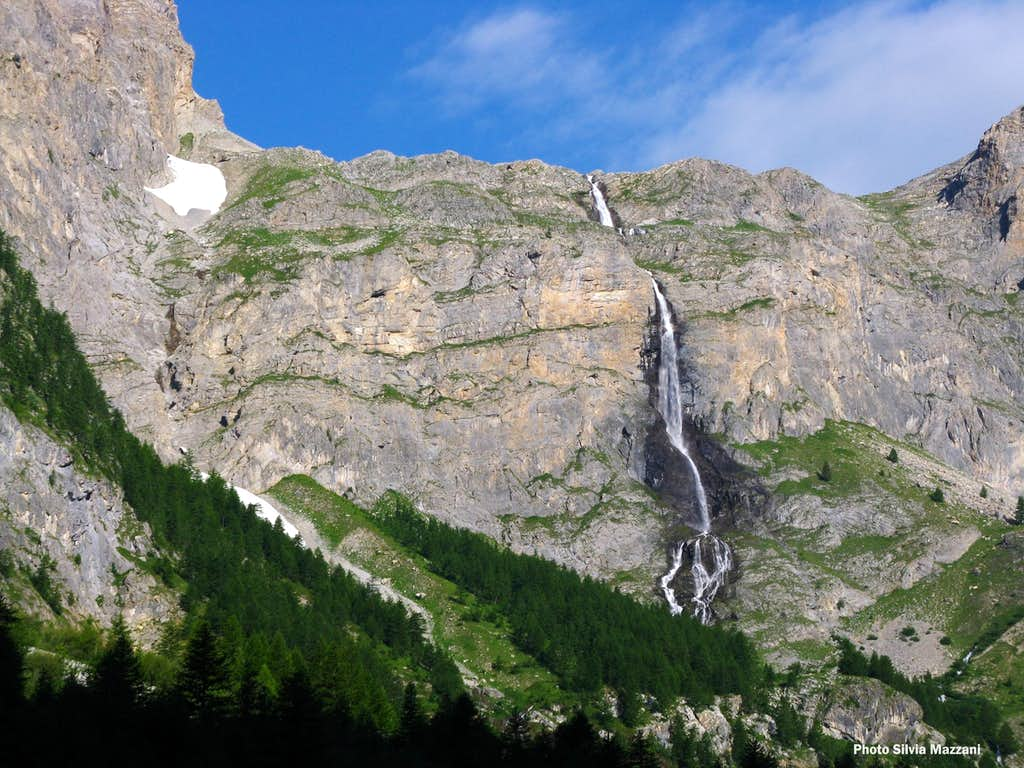 Stroppia Waterfall, Castello-Provenzale