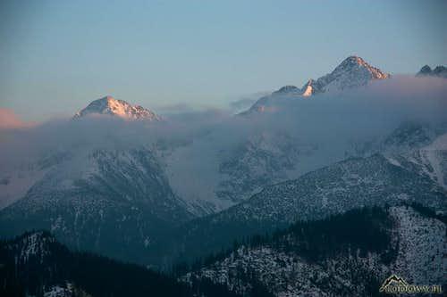 Jahnaci and Kolovy peaks at dusk