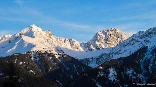 Alpenglow on Feichtener Karlspitze & Kuppkarlesspitze (2991m)