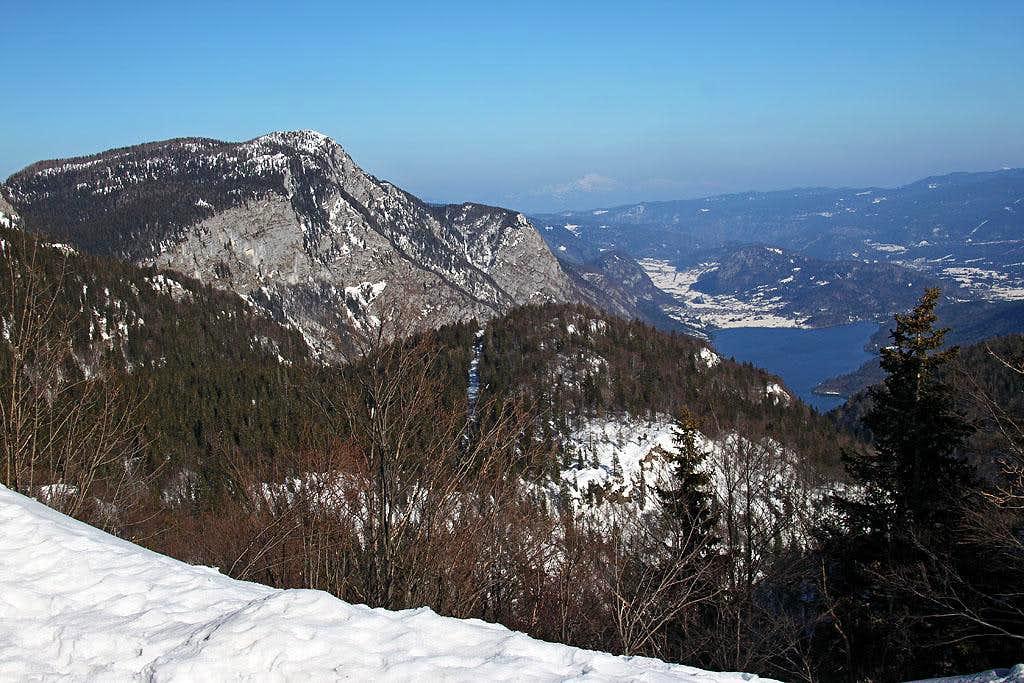 Bohinj lake from Dom na Komni