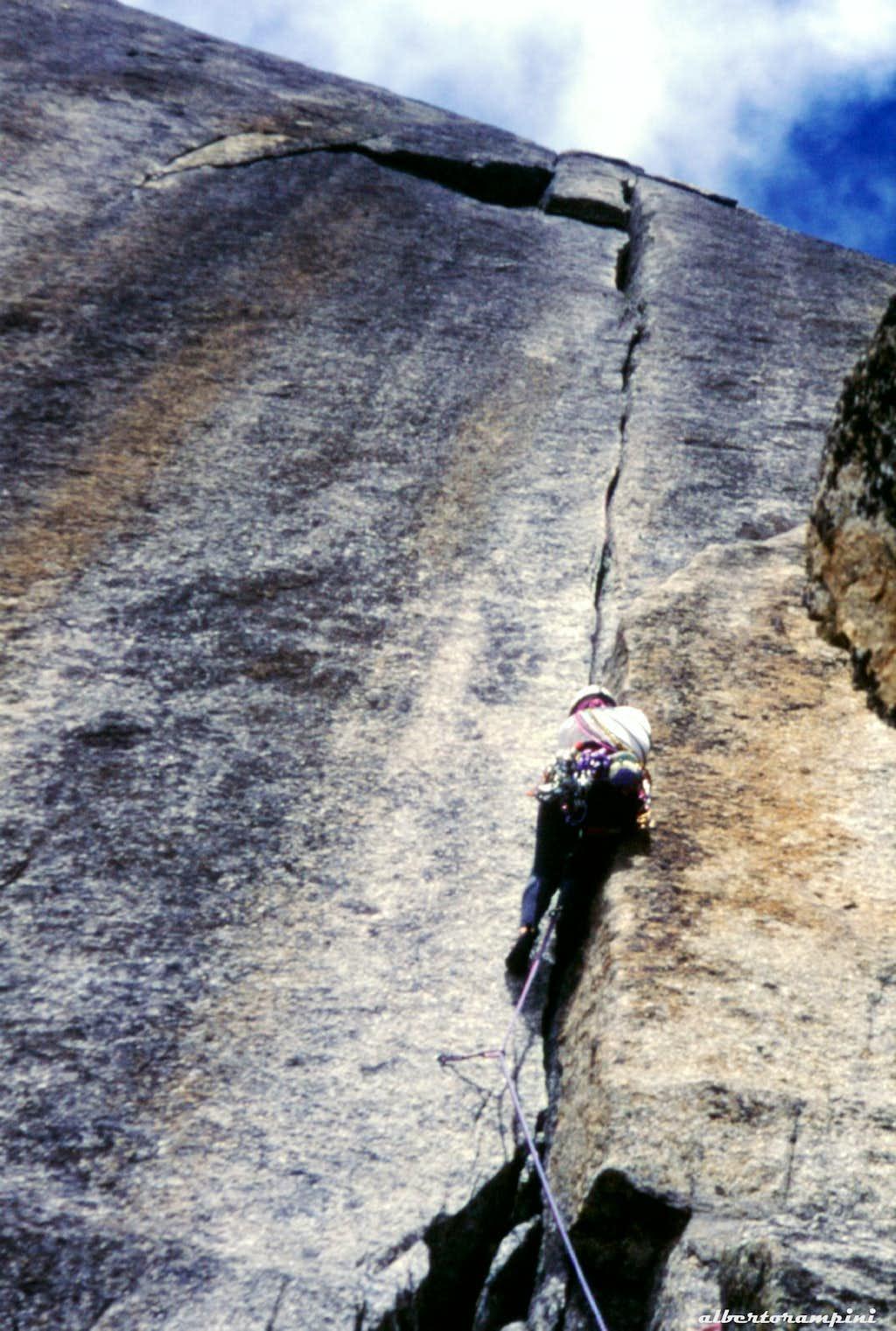 "Graue Wand, Conquest: the ""super-crack"" : Photos, Diagrams ..."