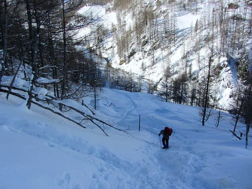 Arrival at the base of the icefall