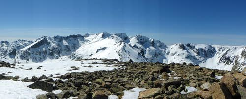 The main tops of Circo de Gredos seen from the top of Cabeza Nevada