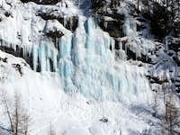 Zooming in on the main icefall at La Gouille