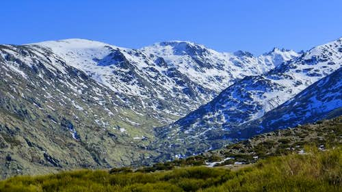 Garganta de Gredos is an U-shaped glacier valley