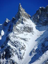 Zooming in on the Aiguille de la Tsa (3668m) from the slopes of Pigne d\'Arolla