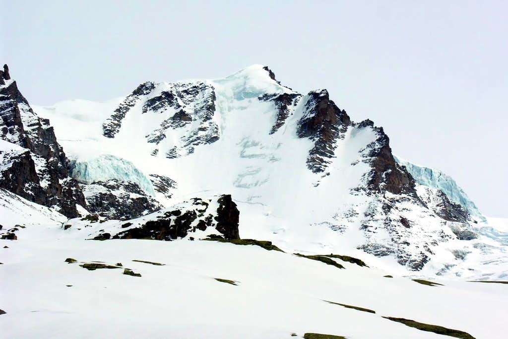 White Eagle Northwest Wall from Refuge Chabod 2006