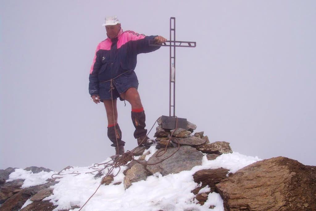Basei Summit  (3338m) with very very bad weather 2006