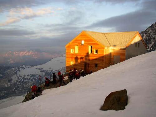The Marco e Rosa hut...