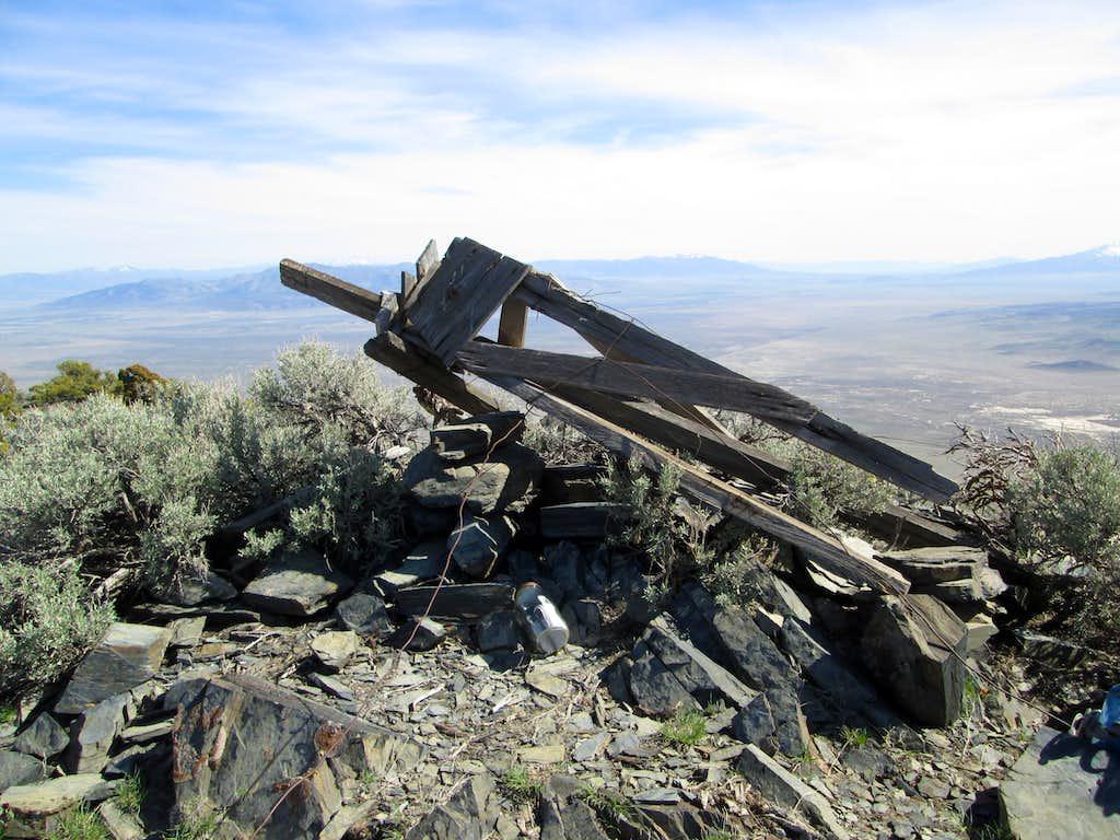 Summit tripod on Blue Mountain