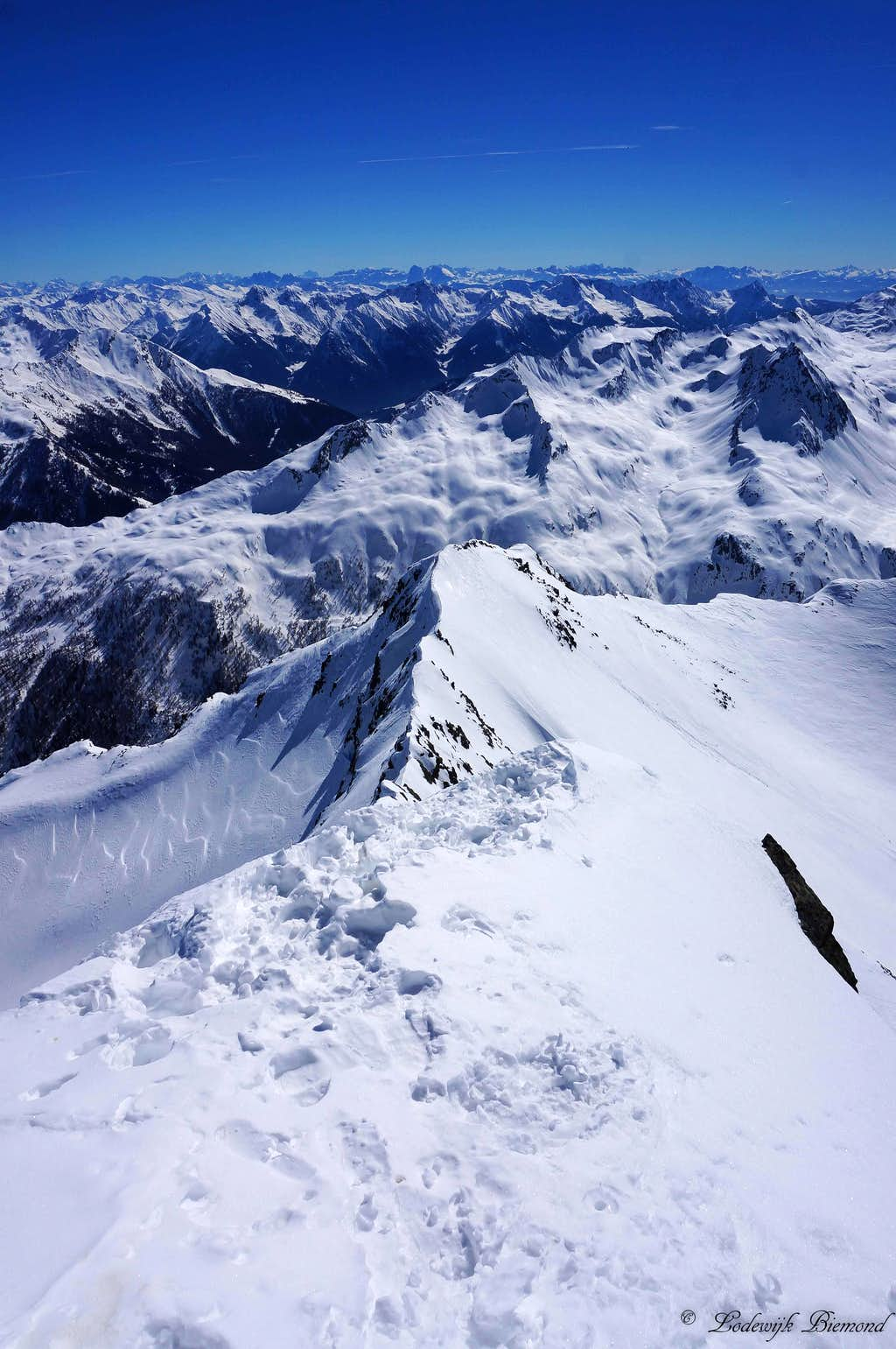 View west from the summit of Wurmkogel with the SE_ridge