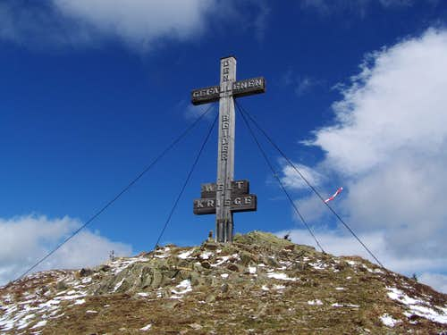 Rennfeld summit cross