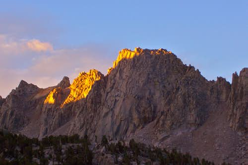 Sunrise on Kearsarge Pinnacles