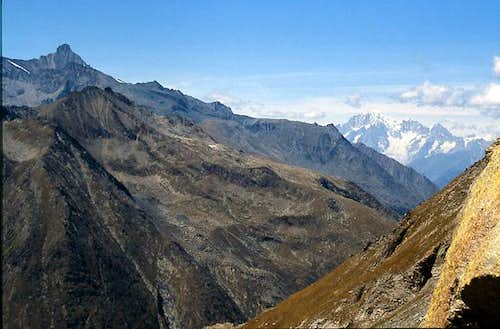 Gran Paradiso GROUP: view from Colle dell\'Arolla 2892m towards NW