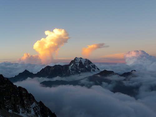 Tiquimani (5,519m)