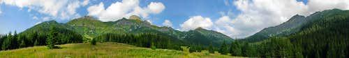 Belianske Tatry over Zadne Medodoly Valley