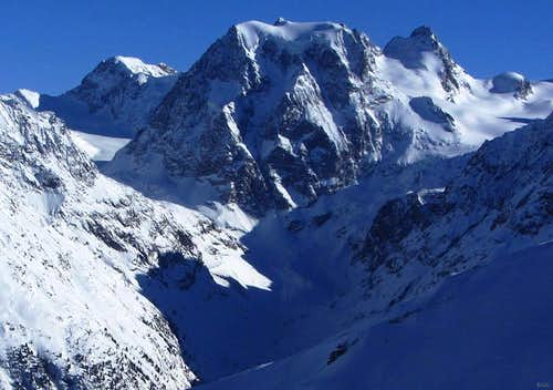 Zooming in on Mont Collon from Cabane des Aiguilles Rouges
