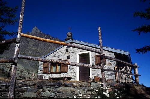 Pousset Hut of the Gran Paradiso Park Rangers