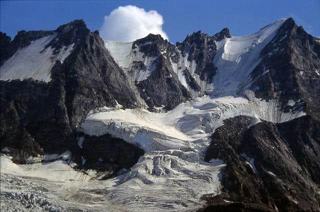 Roccia Viva range and Money glacier seen from casolari dell'Herbetet