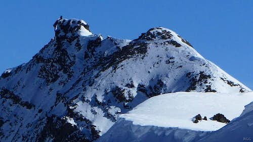 A closeup of the Mont de l'Etoile summit ridge from the WSW