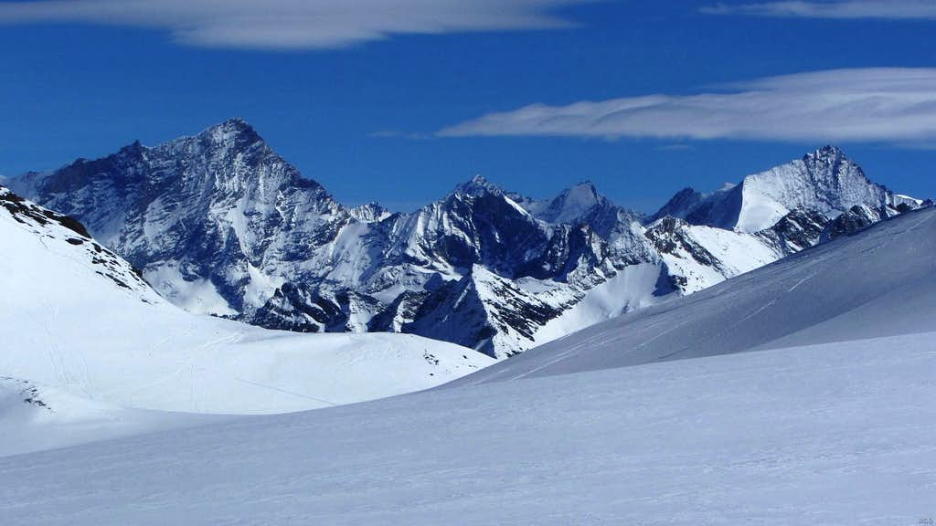 Zooming in on Weisshorn and Zinalrothorn from the west, from the edge of Glacier de Vouasson just SW of Mont de l'Etoile