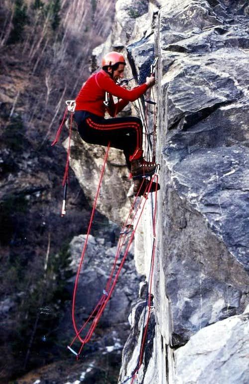 Old Climbings (An old way of climb)/3 Artificial 1978