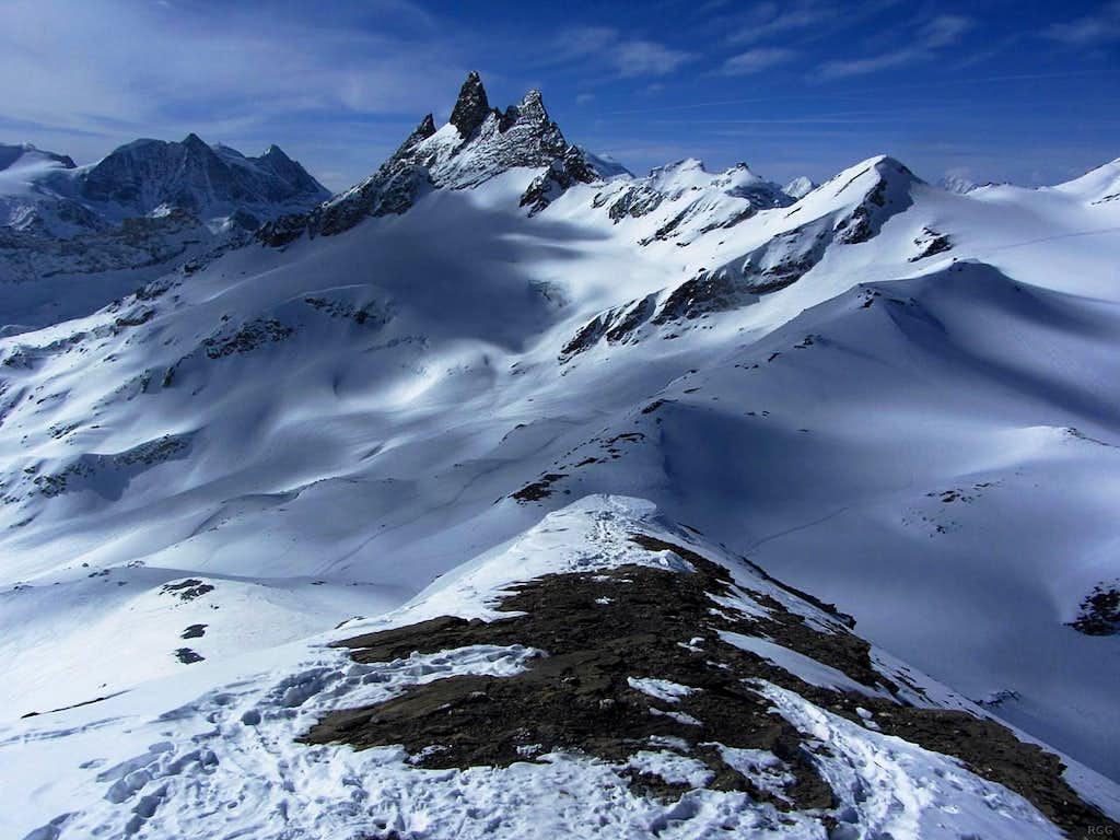 Aiguilles Rouges d'Arolla from the SW summit of Mont de l'Etoile
