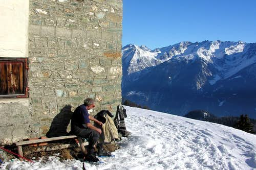 77 by Snow Shoes/3 From By Basin to Viou Range 2006